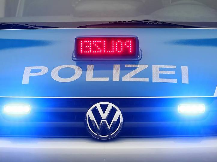 Name:  polizei blaulicht.jpg Views: 3878 Size:  37.3 KB