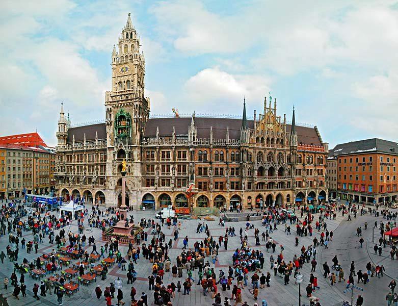 Name:  Marienplatz3279647691965_569965791_n.jpg Views: 2903 Size:  125.8 KB