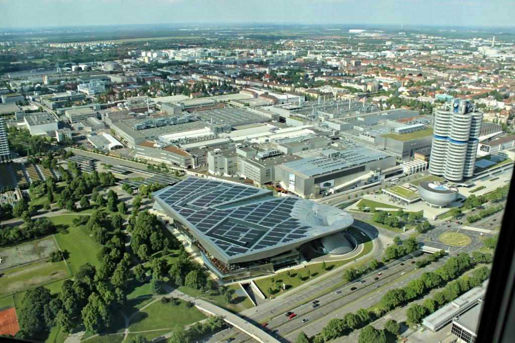 Name:  BMW Welt and Museum and WERK  IMG_8928.jpg Views: 3468 Size:  179.6 KB