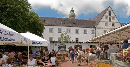 Name:  Kloster Andrechs  10_by_andechs_kloster_biergarten_roland_rossner_3_452x.jpg Views: 2907 Size:  33.9 KB
